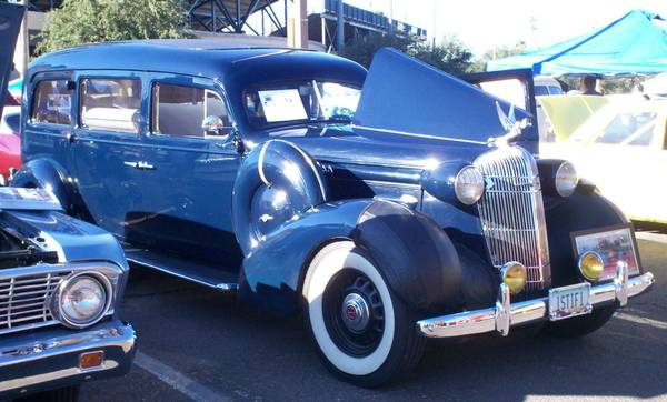 1936_Oldsmobile_Hearse_by_Henney_5.jpg