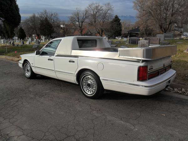1996 Lincoln Funeral Flower Car Built By Mcclain Leasing Inc In